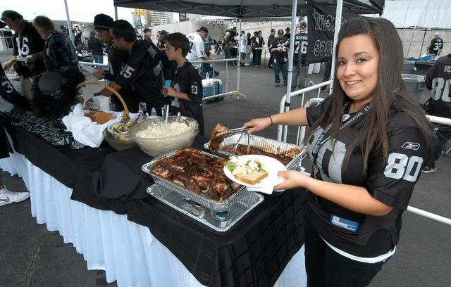 RAIDERS tailgate party
